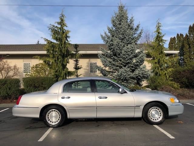 2002 Lincoln Town Car Executive 4dr Sedan In Bremerton Wa