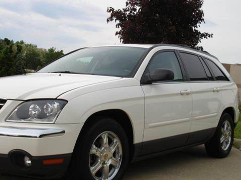 2004 Chrysler Pacifica for sale at TIGER AUTO SALES INC in Redford MI