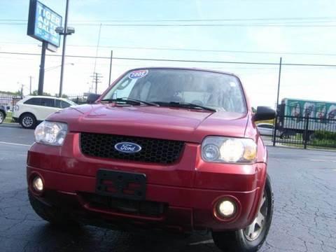 2005 Ford Escape for sale at TIGER AUTO SALES INC in Redford MI