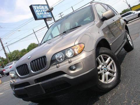 2004 BMW X5 for sale at TIGER AUTO SALES INC in Redford MI