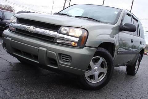 2004 Chevrolet TrailBlazer for sale at TIGER AUTO SALES INC in Redford MI