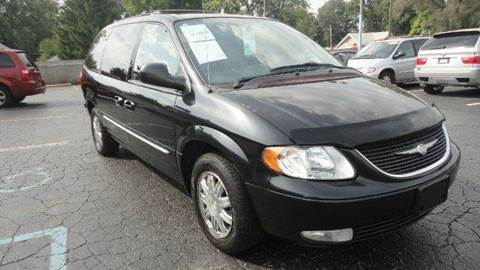 2004 Chrysler Town and Country for sale at TIGER AUTO SALES INC in Redford MI