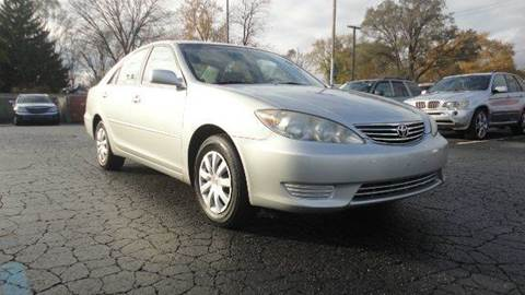 2006 Toyota Camry for sale at TIGER AUTO SALES INC in Redford MI