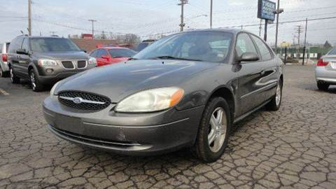 2002 Ford Taurus for sale at TIGER AUTO SALES INC in Redford MI