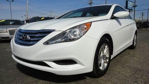 2013 Hyundai Sonata for sale at TIGER AUTO SALES INC in Redford MI