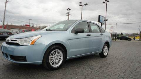 2009 Ford Focus for sale at TIGER AUTO SALES INC in Redford MI