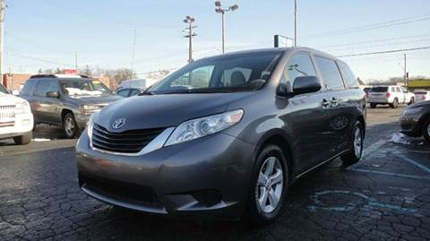 2011 Toyota Sienna for sale at TIGER AUTO SALES INC in Redford MI