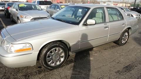 2005 Mercury Grand Marquis for sale at TIGER AUTO SALES INC in Redford MI