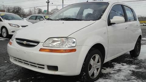 2006 Chevrolet Aveo for sale at TIGER AUTO SALES INC in Redford MI