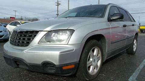 2005 Chrysler Pacifica for sale at TIGER AUTO SALES INC in Redford MI