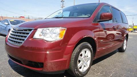 2008 Chrysler Town and Country for sale at TIGER AUTO SALES INC in Redford MI