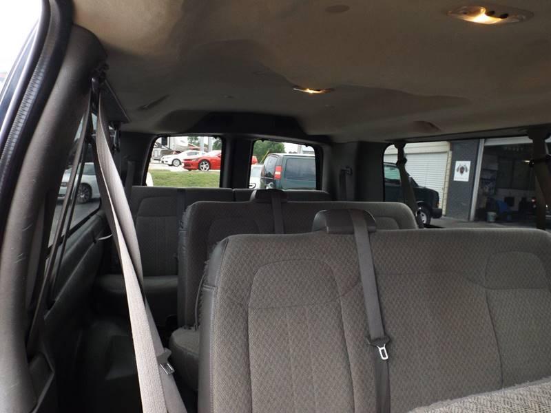 2011 Chevrolet Express Passenger LT 3500 3dr Extended Passenger Van w/ 1LT - Mountain Home AR