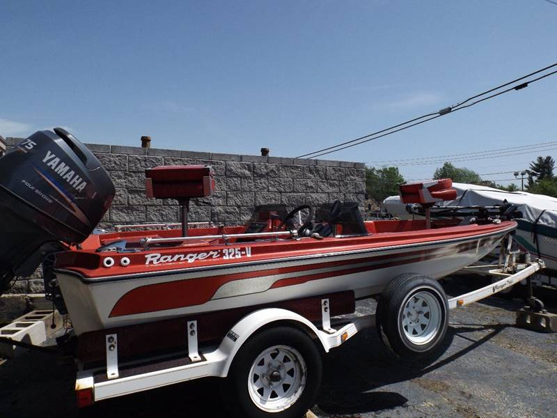 1982 Ranger 325V Bass boat  - Mountain Home AR