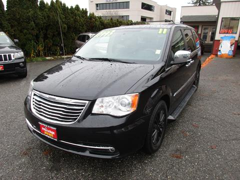2011 Chrysler Town and Country for sale in Lynnwood, WA