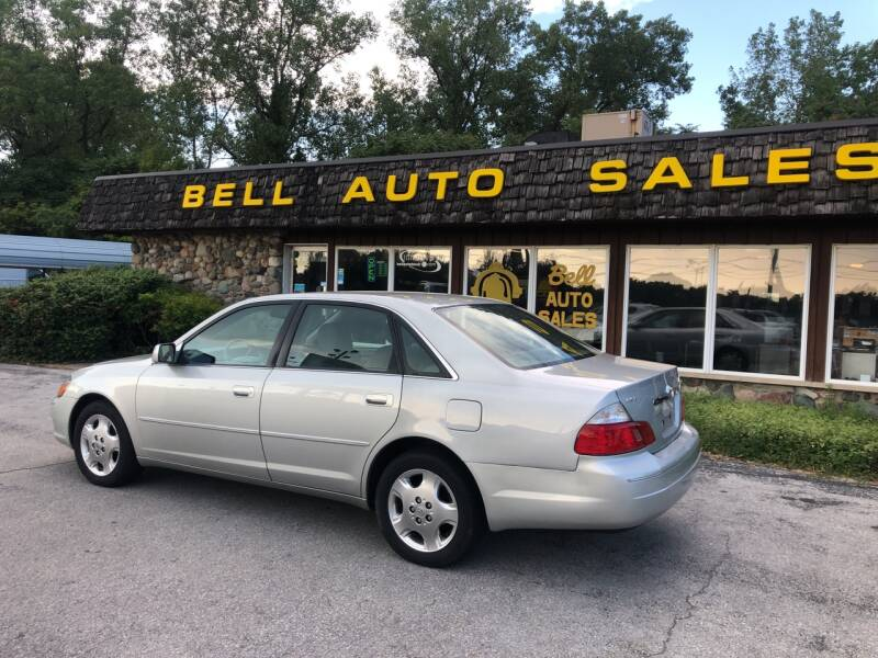 2004 Toyota Avalon for sale at BELL AUTO & TRUCK SALES in Fort Wayne IN
