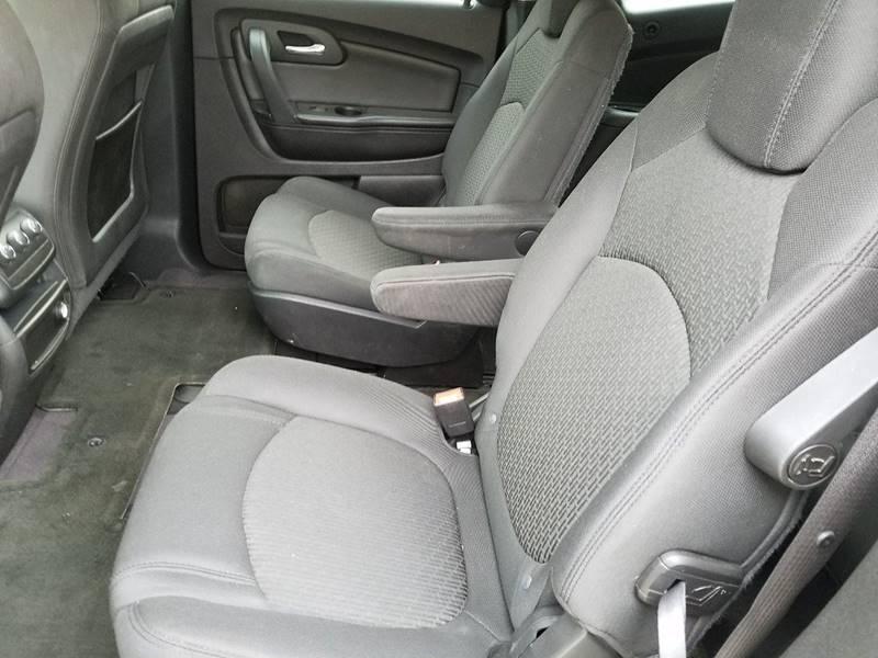 2010 Chevrolet Traverse LT 4dr SUV w/1LT - Fairbury NE