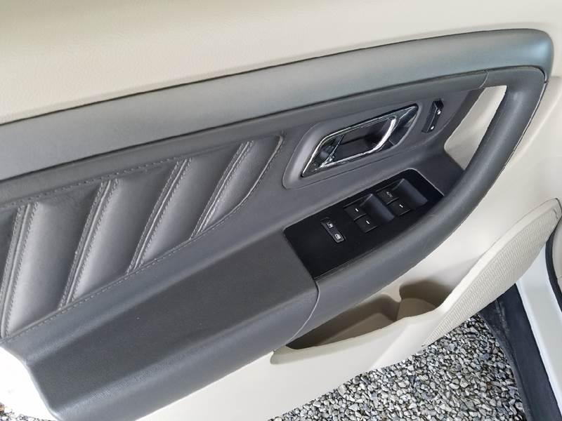 2011 Ford Taurus SEL 4dr Sedan - Fairbury NE