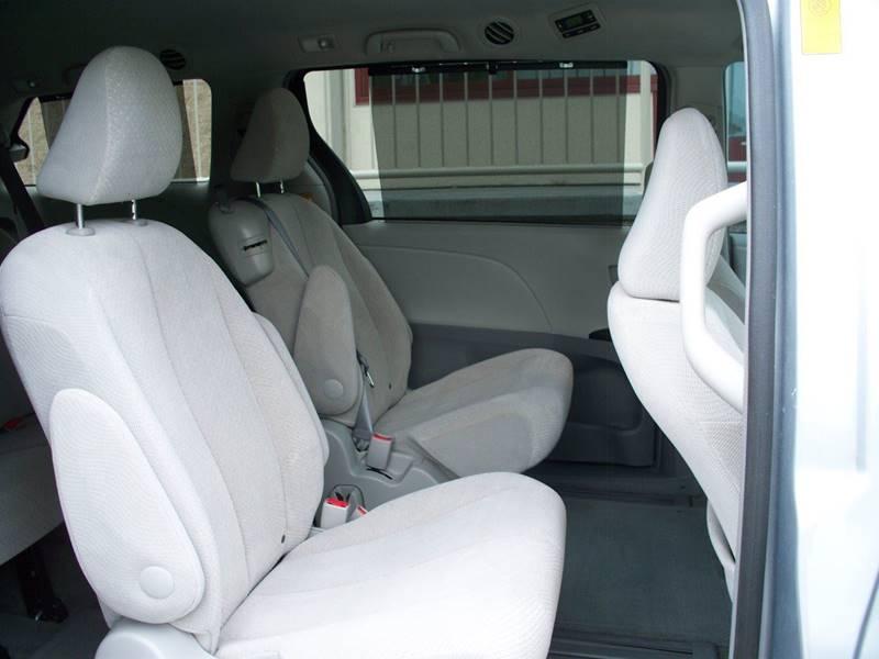 2014 Toyota Sienna for sale at CONESTOGA MOTORS in Ephrata PA