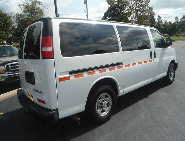 2005 Chevrolet Express Cargo AWD 1500 3dr Van - Greenfield OH