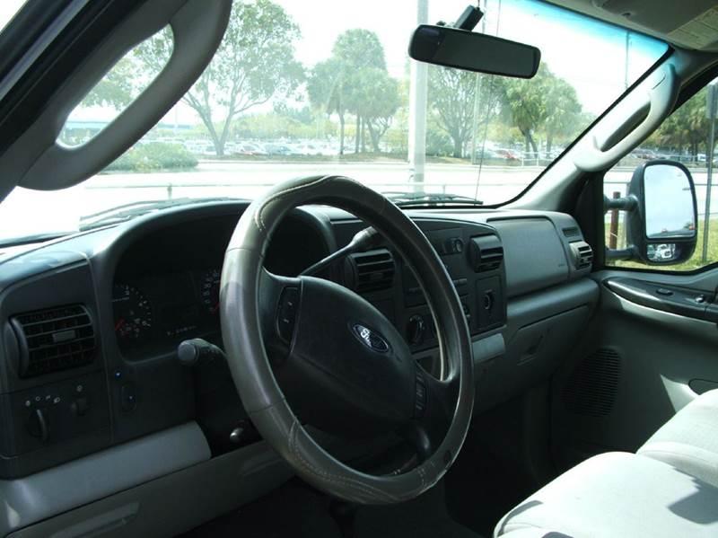 2005 Ford F-350 Super Duty 4dr Crew Cab XLT 4WD LB DRW - Davie FL