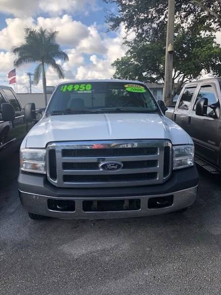 2006 Ford F-250 Super Duty XL 4dr Crew Cab LB - Davie FL