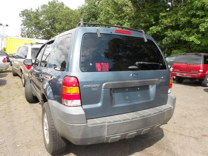 2005 Ford Escape AWD XLT 4dr SUV - Wallingford CT