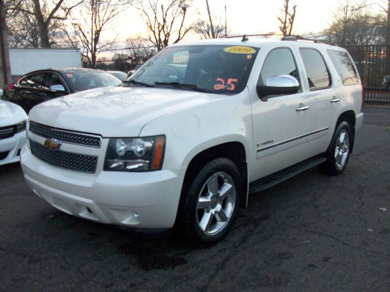 2009 Chevrolet Tahoe  Miles 132253Color Off White Stock 3874b VIN 1GNFK33009R287325