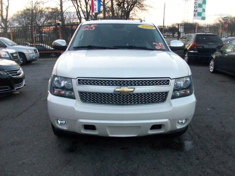 2009 Chevrolet Tahoe  Miles 132253Color Off White Stock 3874b VIN 1GNFK33009R287325