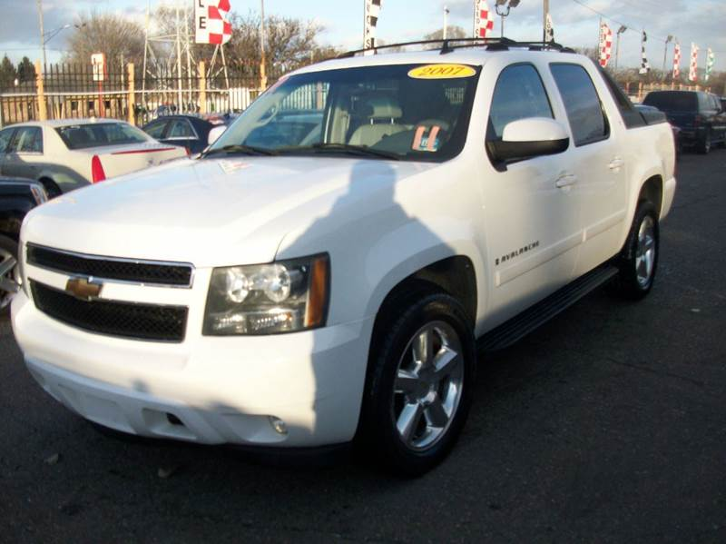 2007 Chevrolet Avalanche  Miles 140051Color WHITE Stock 3890B VIN 3GNFK12337G173042