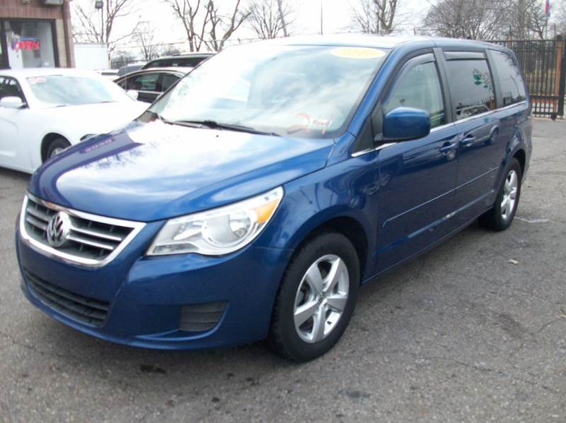 2010 Volkswagen Routan  Miles 105668Color BLUE Stock 3904B VIN 2V4RW3D1XAR393108