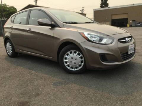 2014 Hyundai Accent for sale at Auto Source in Banning CA