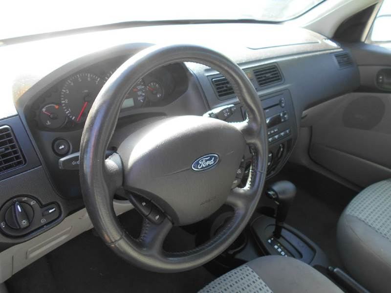 2006 Ford Focus for sale at CALIFORNIA AUTOMART in San Jose CA
