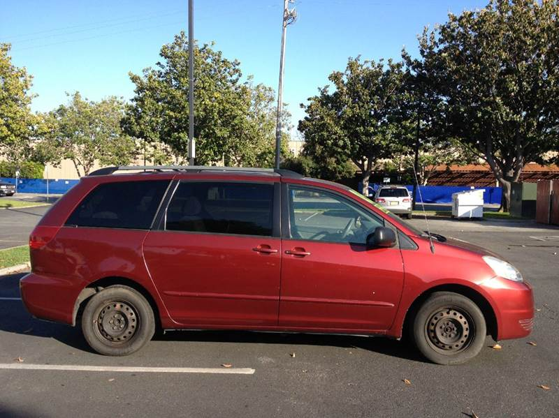 2005 Toyota Sienna for sale at CALIFORNIA AUTOMART in San Jose CA