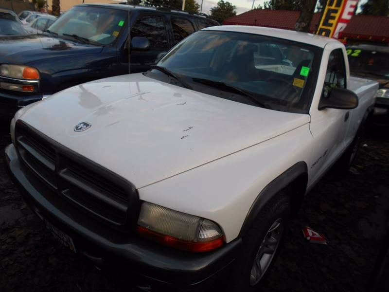 2002 Dodge Dakota for sale at CALIFORNIA AUTOMART in San Jose CA