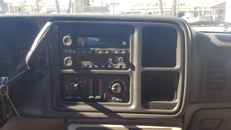 2004 Chevrolet Suburban for sale at Inland Auto Exchange in Norco CA