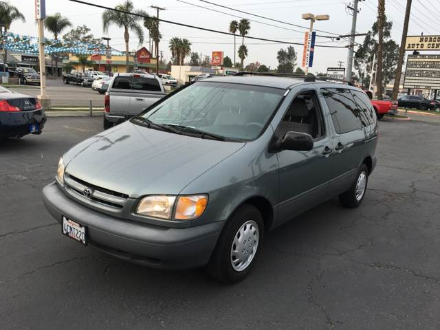 1998 Toyota Sienna for sale at Inland Auto Exchange in Norco CA