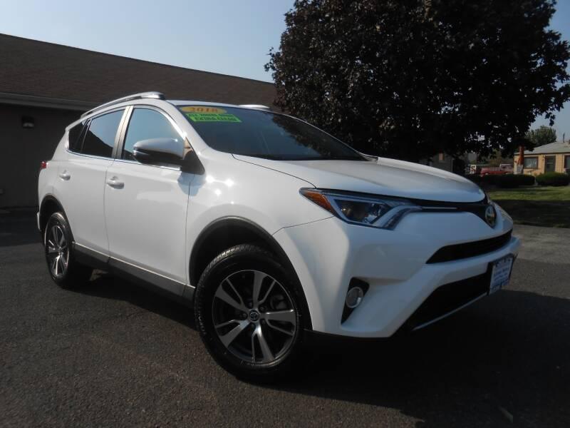 2018 Toyota RAV4 for sale at McKenna Motors in Union Gap WA