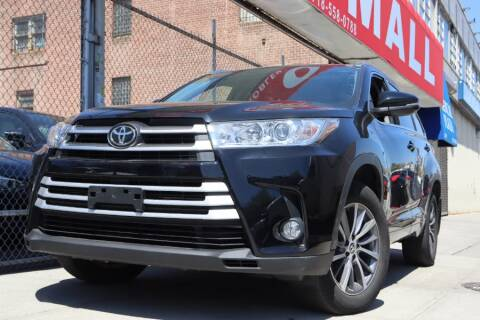 2017 Toyota Highlander for sale at HILLSIDE AUTO MALL INC in Jamaica NY