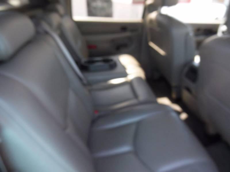 2005 Chevrolet Avalanche 4dr 1500 Z71 4WD Crew Cab SB - Springfield NE