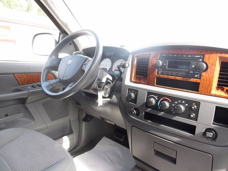 2006 Dodge Ram Pickup 1500 SLT 4dr Quad Cab 4WD SB - Springfield NE