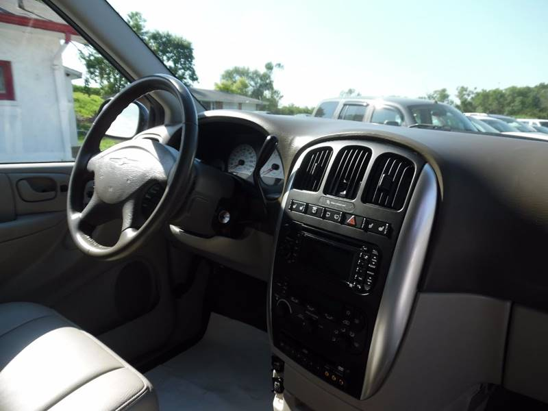 2007 Chrysler Town and Country Touring 4dr Extended Mini-Van - Springfield NE