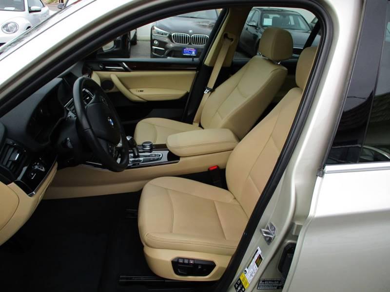 2017 BMW X3 xDrive28i (image 4)