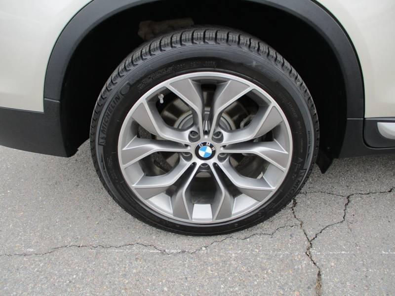 2017 BMW X3 xDrive28i (image 13)
