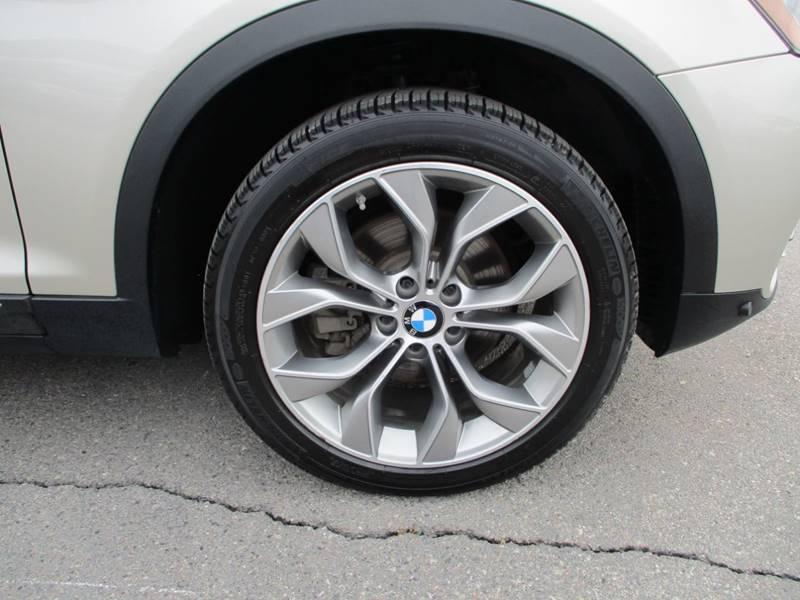 2017 BMW X3 xDrive28i (image 14)