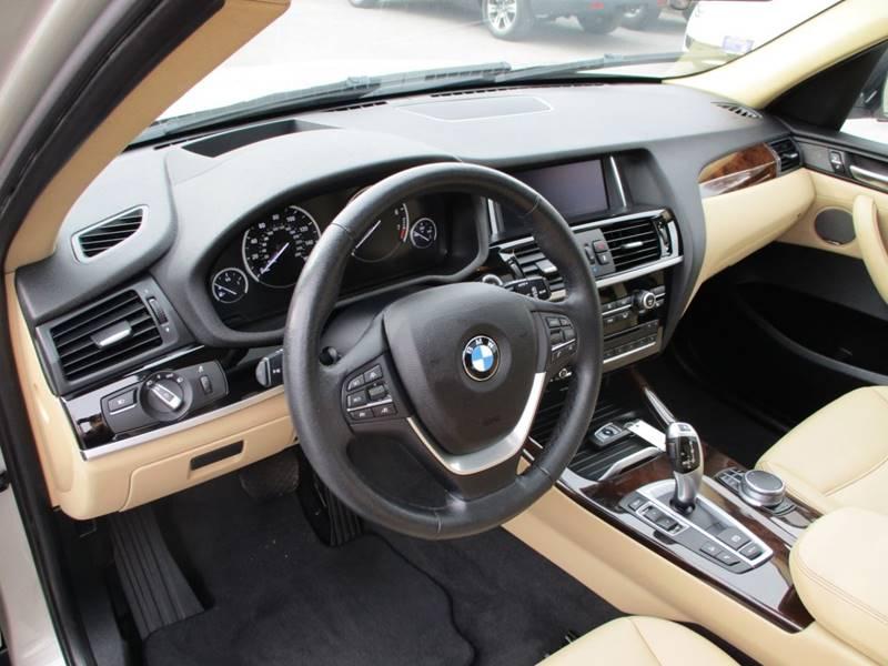 2017 BMW X3 xDrive28i (image 24)