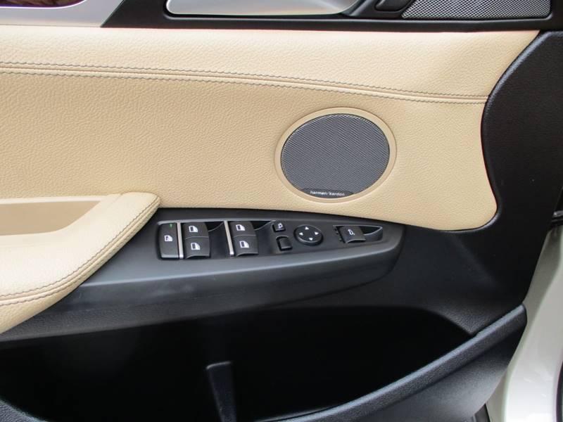 2017 BMW X3 xDrive28i (image 25)