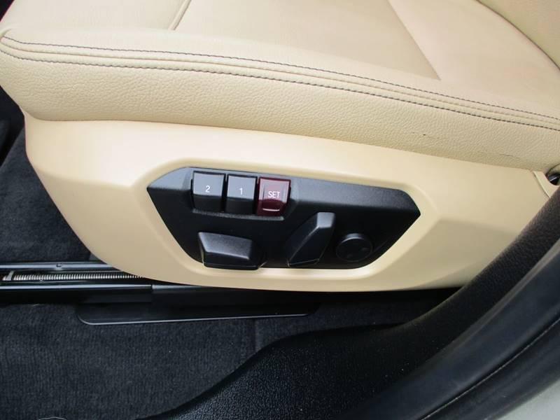2017 BMW X3 xDrive28i (image 26)
