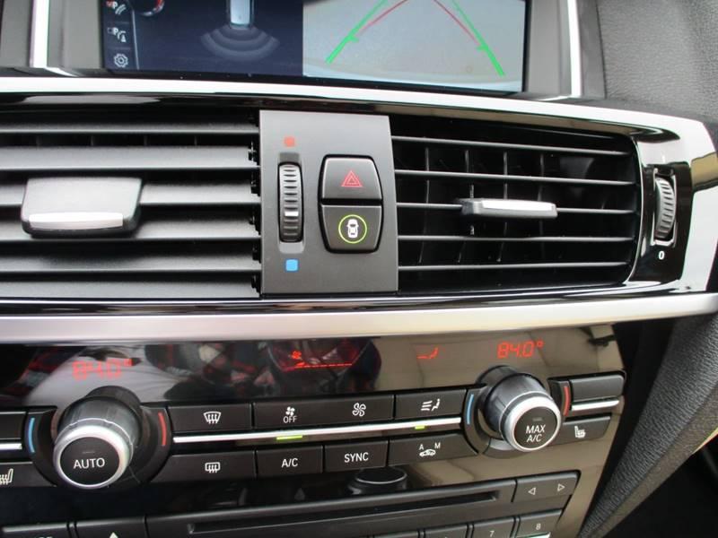 2017 BMW X3 xDrive28i (image 30)