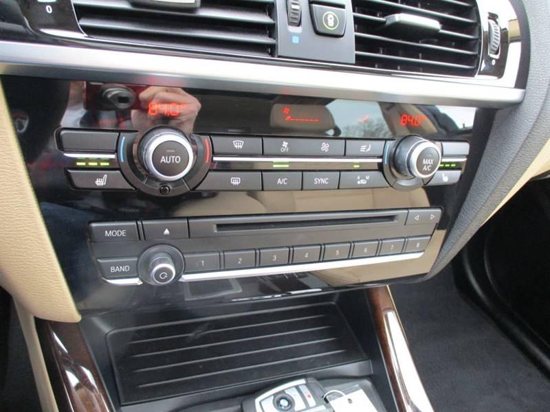 2017 BMW X3 xDrive28i (image 33)