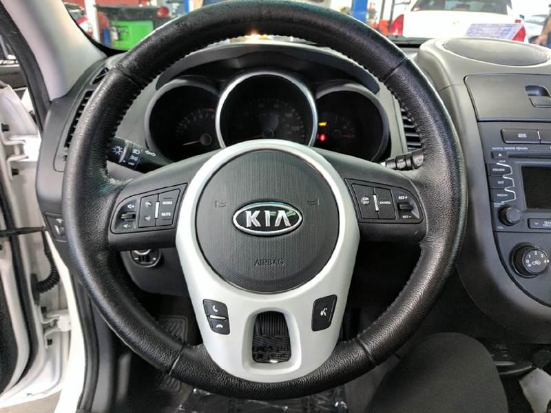2012 Kia Soul ! 4dr Wagon - Kilmarnock VA